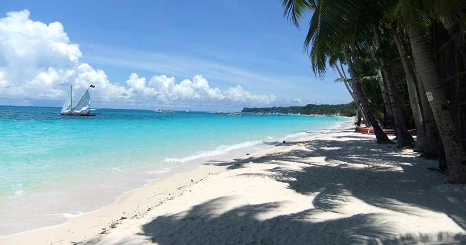 Philippines Boracay White beach Station 3 lookk south.jpg